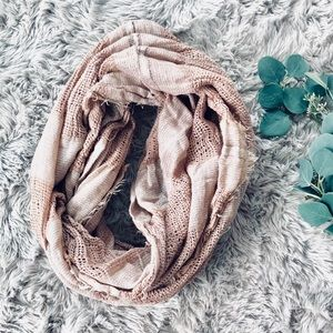 🌿 BP Textured Infinity Scarf 🌿